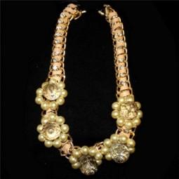 Collar Flores Circonitas Dorado